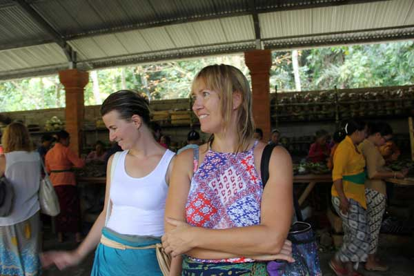 Od lewej: Ewa Issa i Aneta (fot. madzia Lubowiecka)