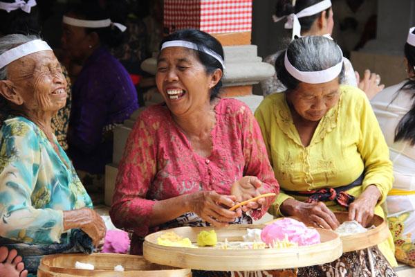 Balijczycy są radośni i uśmiechnięci, a jednocześnie oswojeni z istnieniem sił dobra i zła. Fot. Madzia Lubowiecka