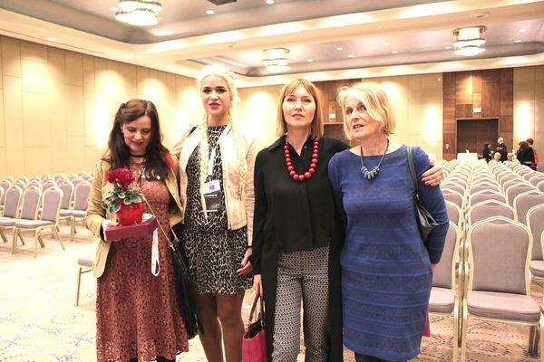 Od lewej: Barbara Fijał i Patrycja Puszczewicz (Miasto Kobiet), Aneta Pondo (Małopolanka Roku 2016) i organizatorka MKK– Joanna Kongstadt (fot. Renata Stós-Pacut)