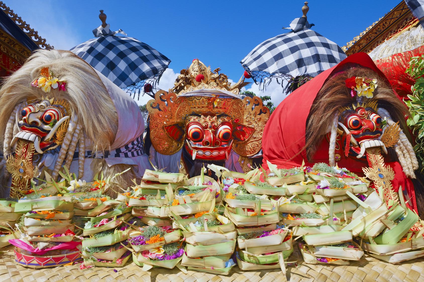 Barong i Rangda - tradycyjne balijskie duchy w czasie ceremonii Nyepi Eve, poprzedzającej Nyepi Day (Dzień Ciszy), fot. Fotolia