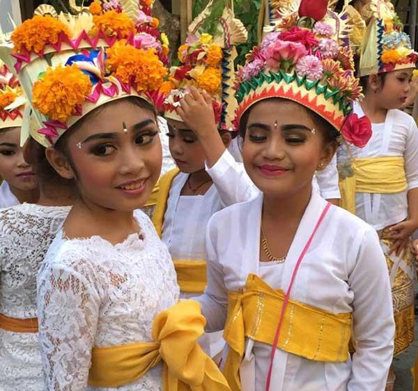 Świąteczne ceremonie w Bali to dzień powszedni (fot. Issa Tifaret)